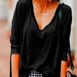 Guess black 3/4 sleeve v neck and v back blouse